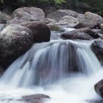 Roca y agua