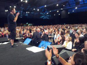 Tony en escenario de cerca by Susana Rodriguez